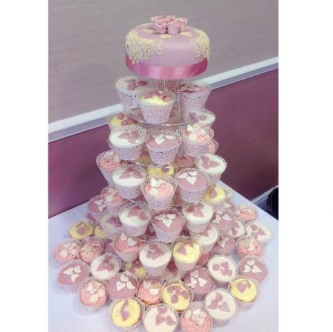Stunning custom-made wedding cakes