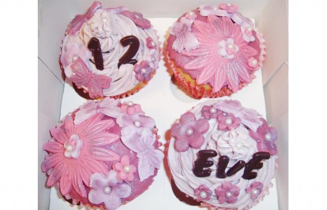custom-made cupcakes in Loughborough